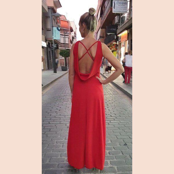 vestido-rojo-con-cuello-de-chimenea-trasera