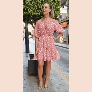 vestido-de-lunares-rosa