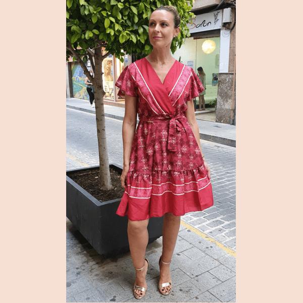 vestido-corto-con-escote-cruzado-color-vino