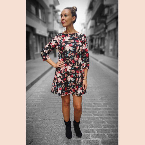 vestido-negro-casual-de-flores