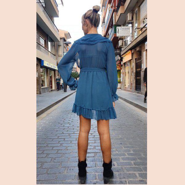 vestido-de-gasa-azul-turquesa-con-volantes-trasera