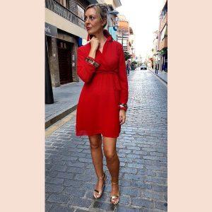 vestido-de-gasa-rojo-con-detalles-en-oro