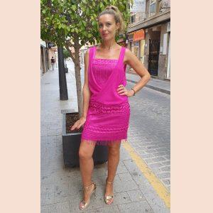 vestido-rosa-con-flecos