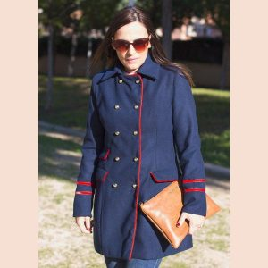 abrigo-rayas-rojas