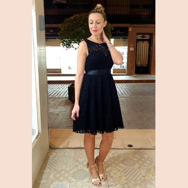 vestido-de-blonda-corte-lady