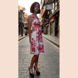 vestido-de-coctel-estampado-con-pecho-cruzado